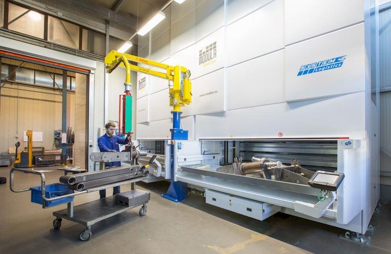 Vertical Lift External Bay with Robot Assist
