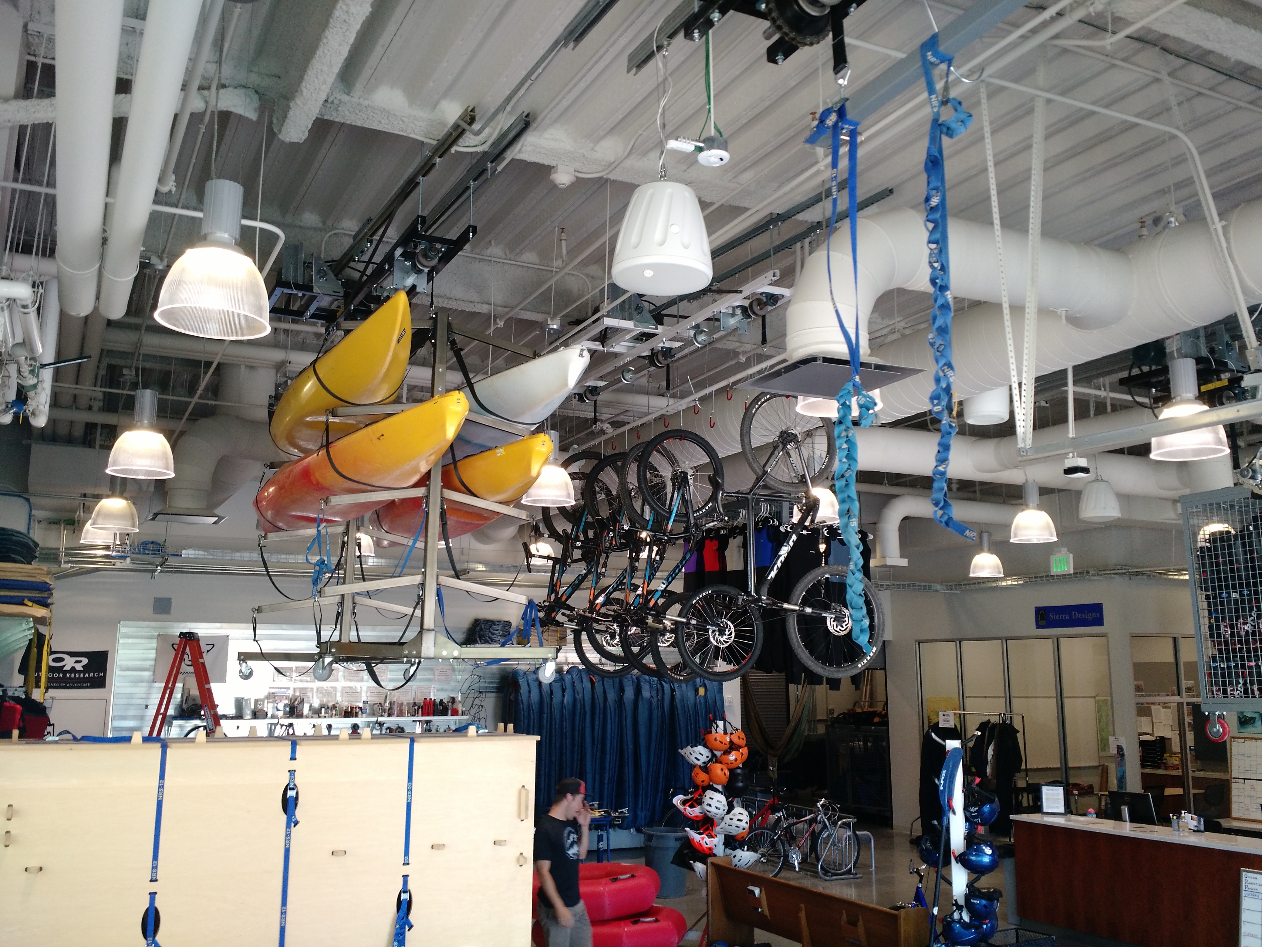 Overhead Lift-Idaho State Student Rec Center