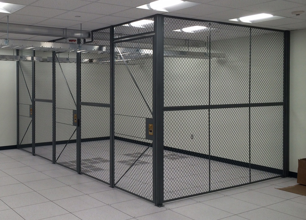 3 Gallery-wire mesh partition-locker