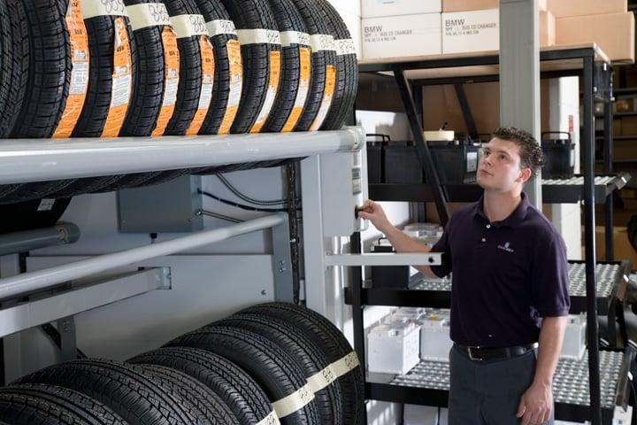 Vidir-Tire Carousel Operator