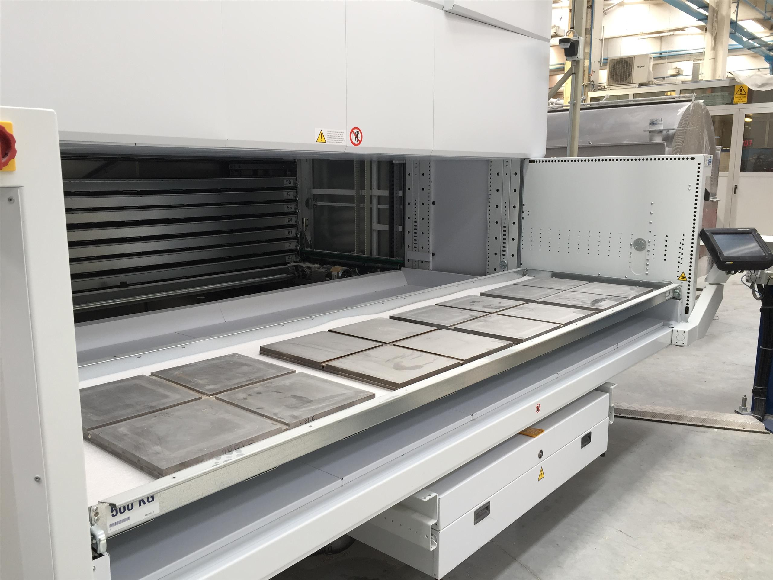 Modula Lift-External Tray