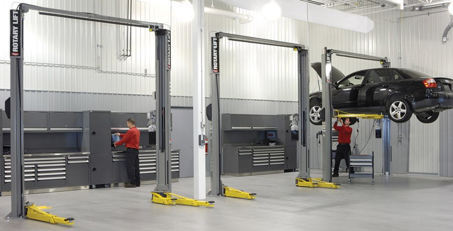 Audi-auto-service bay workbenches