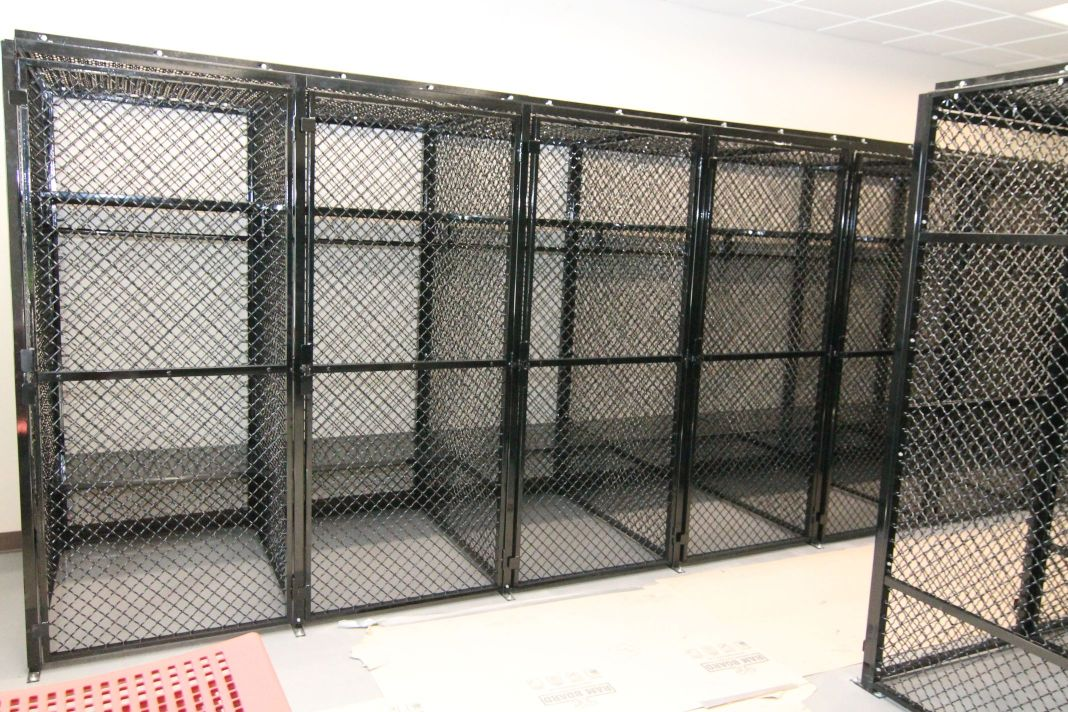 Wire Mesh Lockers-2013-04-09 115-compressed